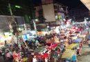 কুমিল্লা নগরীতে মাস্কবিহীন মানুষের উপচে পড়া ভীড়